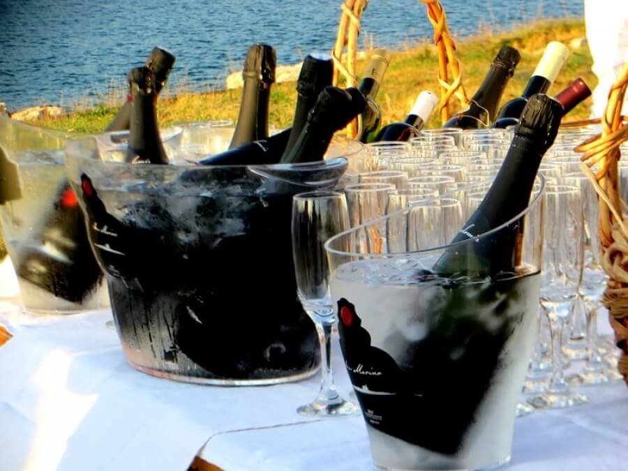 Summertime Promotion of Superior Sparkling Wine Along With a Wind Rose I