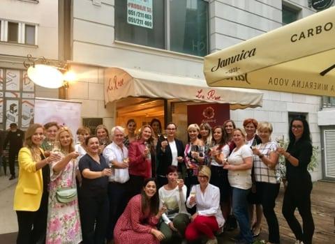 Women on Wine u francuskom stilu 1